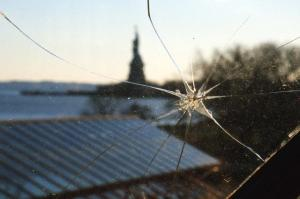 cracked-glass
